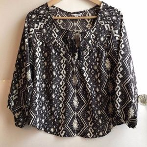 NEW AMERICAN EAGLE Brown Tribal Boho Aztec Blouse
